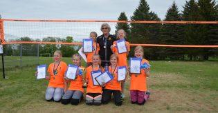 Rae Spordikooli võrkpalli tüdrukud saavutasid U12 Eesti meistrivõistlustel hõbemedalid
