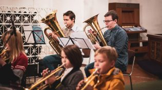 Huvikooli õpilased esinesid kirikus